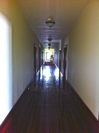 Laguna Azul Eco Lodge: Upstairs Hallway. Gleaming Hardwood Floors.