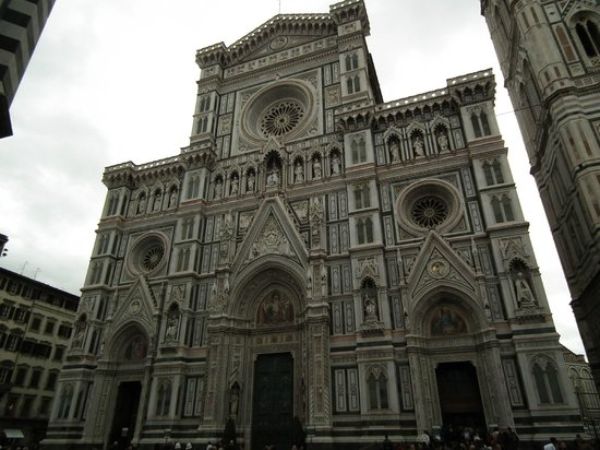 Hotel Montreal: Santa Croche Church in Florence