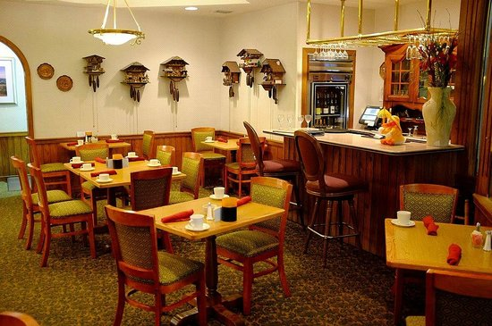 Inn of the Hills Hotel & Conference Center: Restaurant