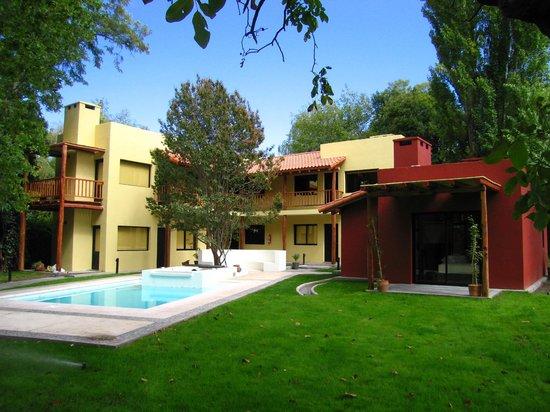 Postales Hotel Boutique - Chacras de Coria: garden