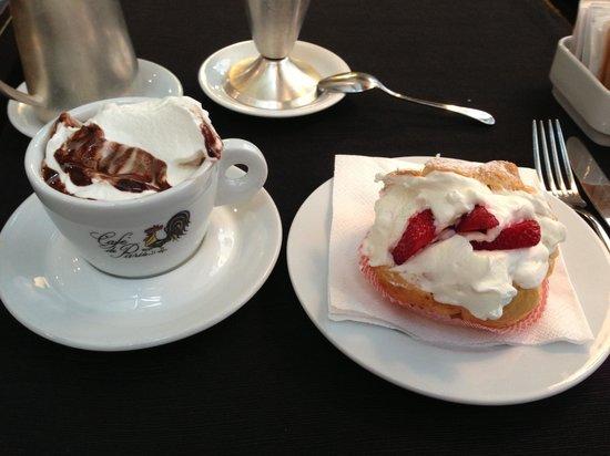 Café de Paris : Eclair and hot chocolate w/whipped cream