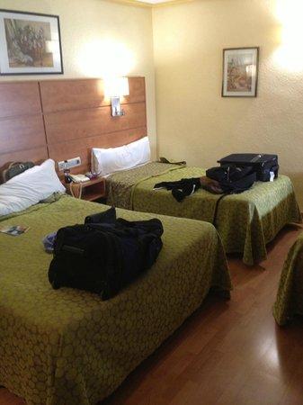 Hotel Avenida: 2 beds