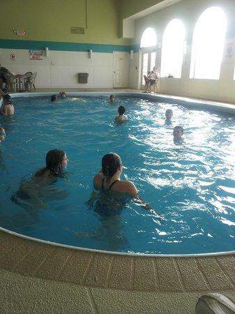 Northfield Inn, Suites & Conference Center: Nice pool area