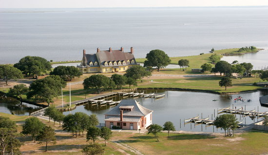 Corolle, Caroline du Nord : Whalehead in Historic Corolla and boathhouse