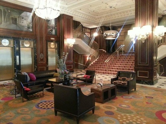 The Blackstone, Autograph Collection: Lobby