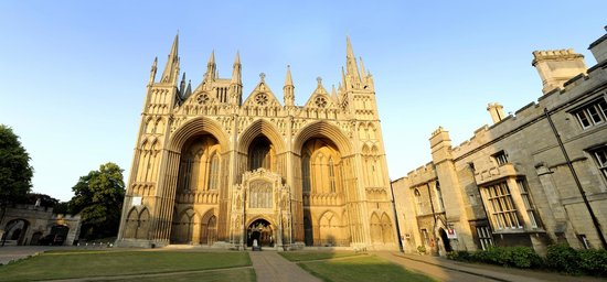 Питерборо, UK: West Front of Peterborough Cathedral