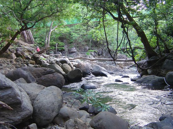 Hotel Hacienda Guachipelin: the hot springs area