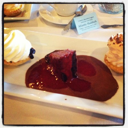 Old Orchard Inn & Spa: Dessert on Saturday night!