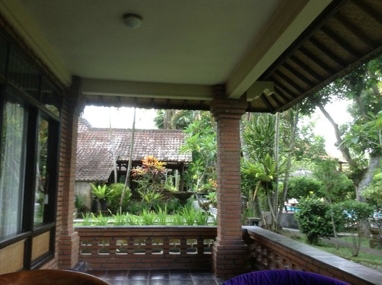 Melati Cottages: Porch