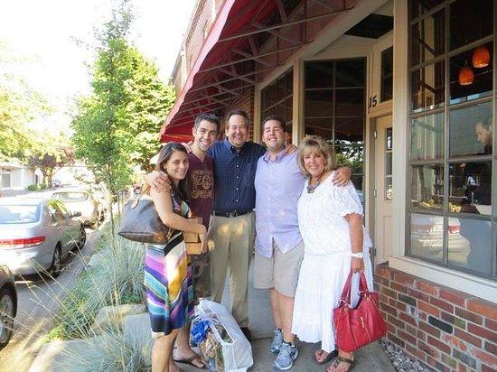 Montalcino Ristorante Italiano: The family dining at Montalcino's