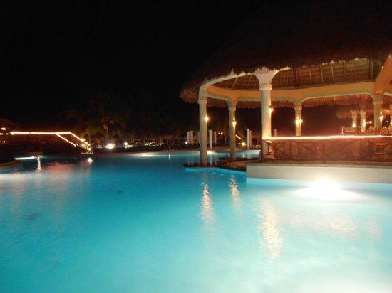 Grand Palladium Riviera Resort & Spa : piscine