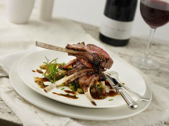Merrill Inn : Signature Rack of Lamb