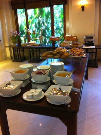 Ravindra Beach Resort & Spa: Breakfast