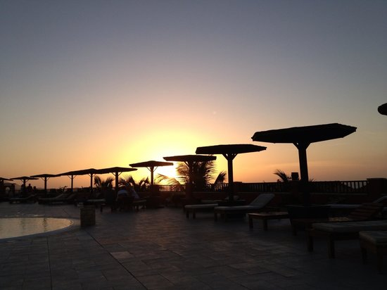 Royal Horizon Boa Vista: Looking at the sunset from the big pool area