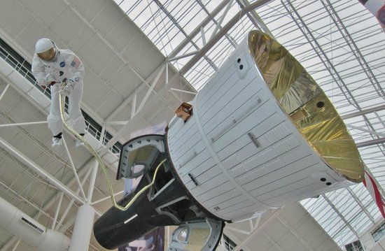 Evergreen Aviation & Space Museum: Capsule