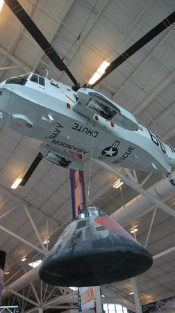 Evergreen Aviation & Space Museum: cool