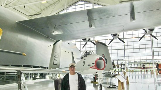 Evergreen Aviation & Space Museum: You can't get a full picture of the Spruce Goose