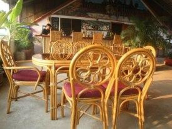 Firefly Guesthouse- The Berlin Angkor: Rooftop cafe-restaurant