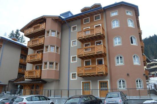 Hotel Chalet del Brenta: Ala esterna Albergo