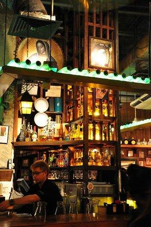Cafe Iguana: Bar