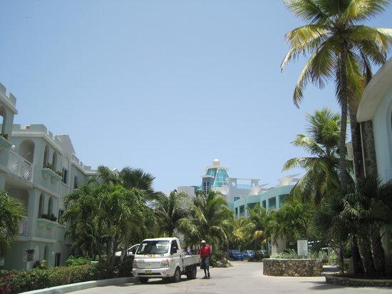 Oyster Bay Beach Resort: OBBR in gated community