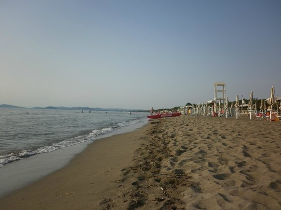 Orbetello Camping Village: spiaggia