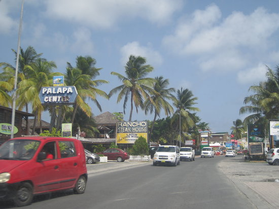 Oyster Bay Beach Resort: Driving around the island