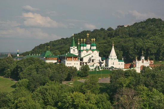 ‪Pechersky Ascension Monastery‬