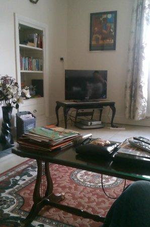 Sive Hostel: Common room
