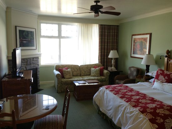 JW Marriott The Rosseau Muskoka Resort & Spa: Very comfortable and down to earth