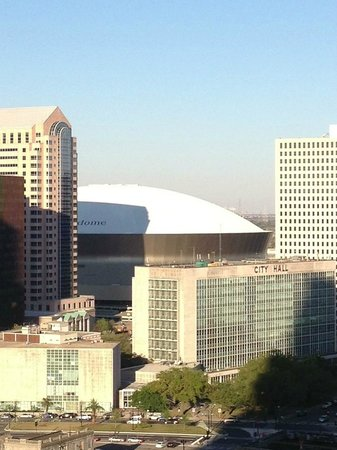 Hilton Garden Inn New Orleans French Quarter/CBD : View of the Super Dome from the Roof Top Patio