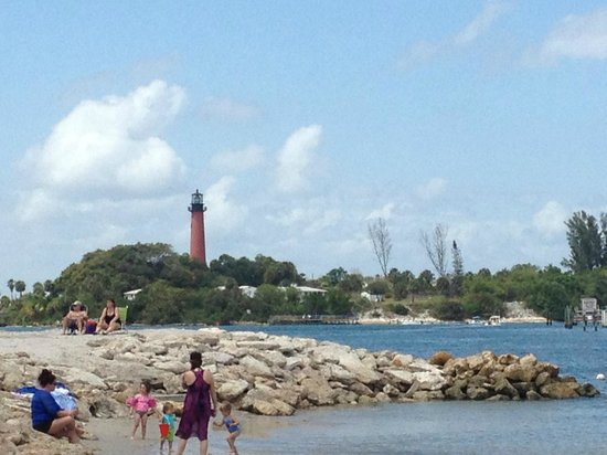 View of the Jupiter Inlet Lighthouse from Dubois Park