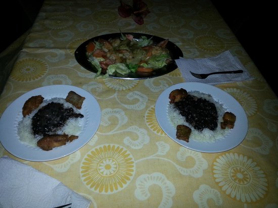 La Paloma Guest House: Dinner cooked by Nilda