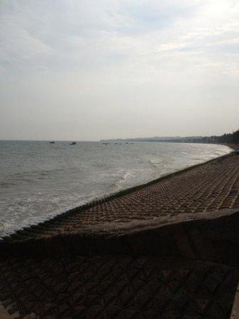 Mui Ne Paradise Beach Resort: concrete paradise