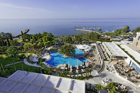 Mediterranean Beach Hotel: Grand View