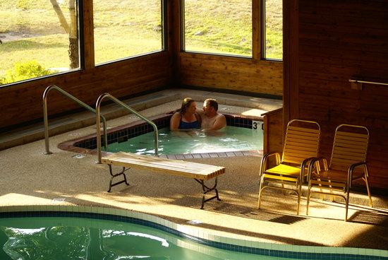 Cedar Motor Inn: Spa