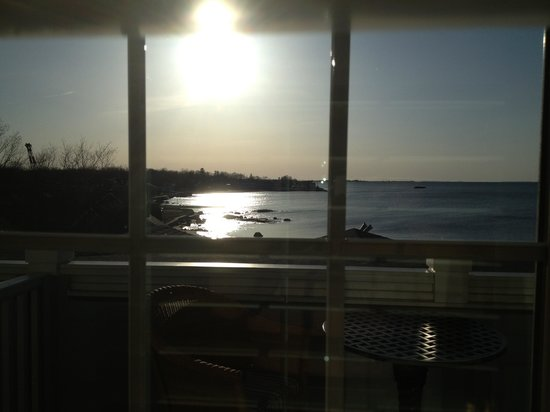 Madison Beach Hotel, Curio Collection by Hilton: Sunrise from room