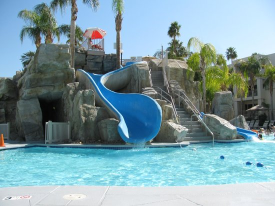 Palm Canyon Resort & Spa: The kids pool!