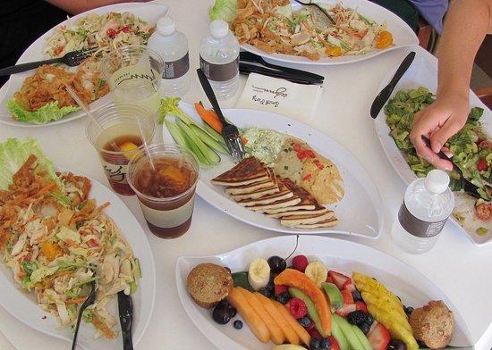 Wynn Las Vegas: Nice fruit plate in Cabana