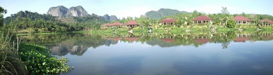 Khao Thong, Thailand: view of lake