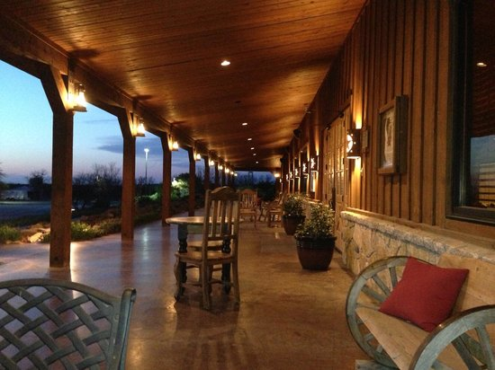 Wildcatter Ranch: The ranch at night.