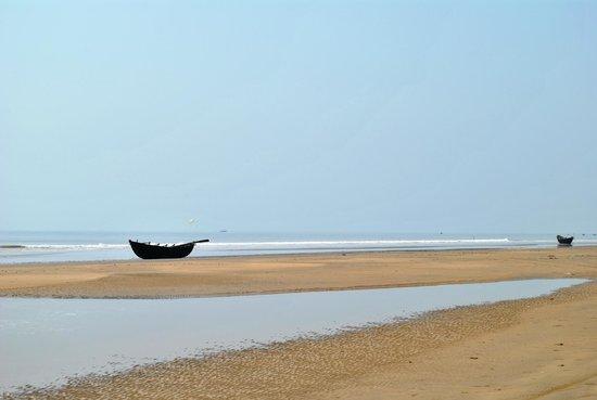 Resort Hirak Jayanti : Sea Beach