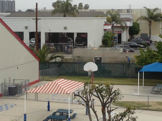 Best Western Surf City: View from the 3rd floor overlooking the preschool and car repair shop.