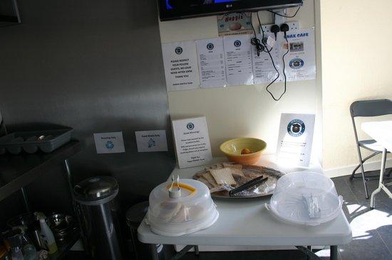 Haystack Hostels: Breakfast
