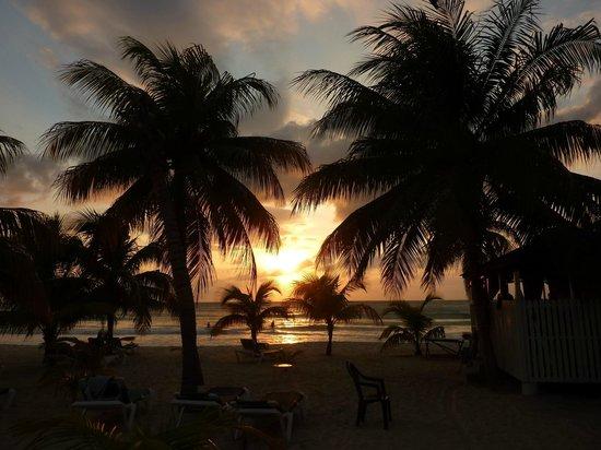 Charela Inn / Le Vendome: Sonnenuntergang vom Restaurant aus zu beobachten