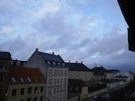 Copenhagen Admiral Hotel: View to Amalienborg Palace from 4th floor room