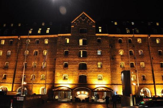 Copenhagen Admiral Hotel: Admiral Hotel at night