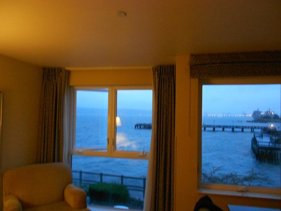 Silver Cloud Inn Tacoma - Waterfront: Another window picture