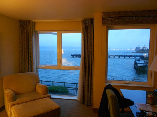 Silver Cloud Inn Tacoma - Waterfront: Lovely Windows & View