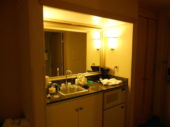 Silver Cloud Inn Tacoma - Waterfront: Kitchenette